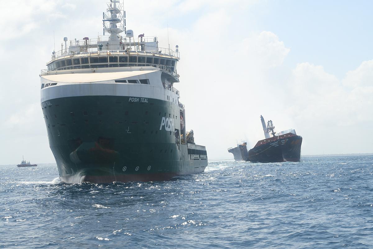 Er werd getracht de X-Press Pearl verder op zee te trekken (Foto Sri Lanka Ports Authority)