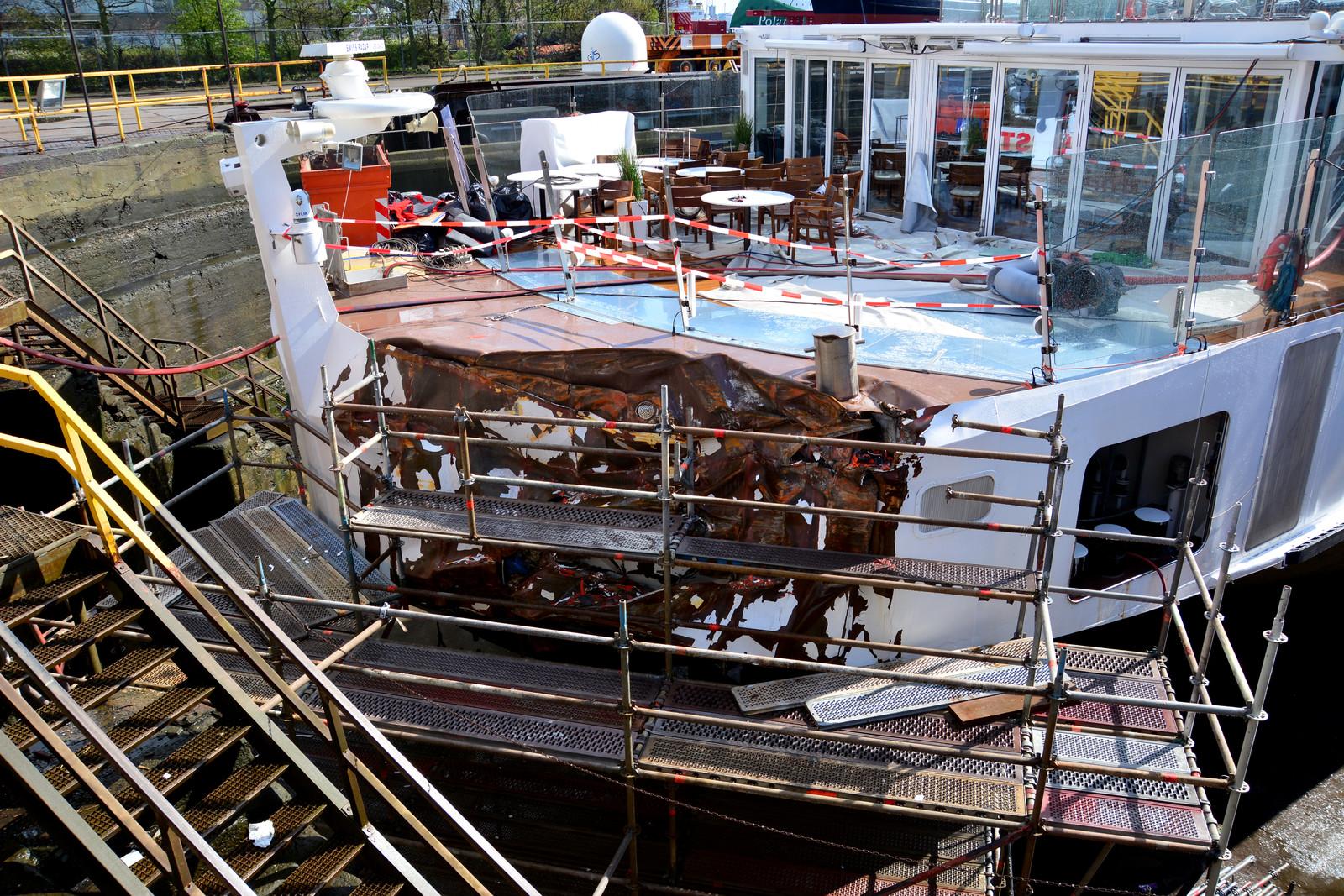 De schade aan de Viking Idun na de aanvaring op de Westerschelde in 2019. (Foto Onderzoeksraad voor Veiligheid)