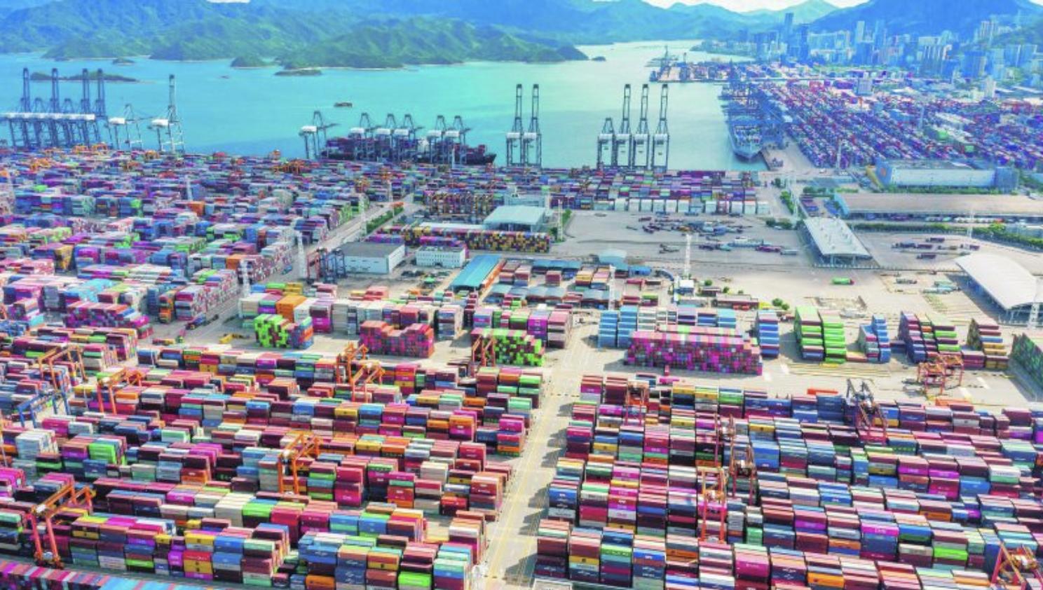 Strenge coronamaatregelen in Zuid-Chinese containerhaven Yantian zorgen voor ernstige verstoringen van de scheepvaart