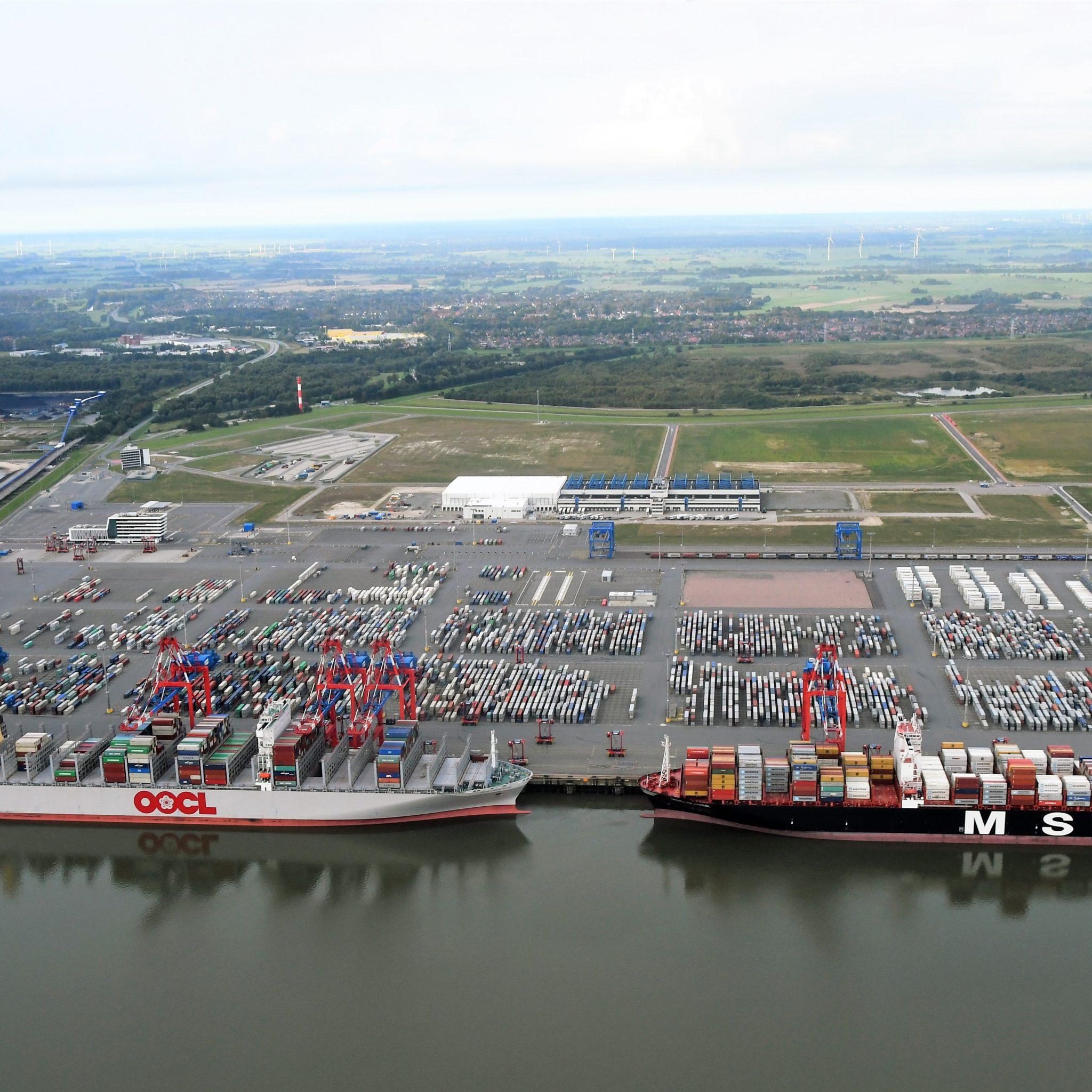In verband met de 'verstopping' in Hamburg week MSC onlangs al uit naar Jade Weser Port in Wilhelmshaven. Maersk leidt de komende vier weken schepen om naar Bremerhaven. (Foto Jade Weser Port)
