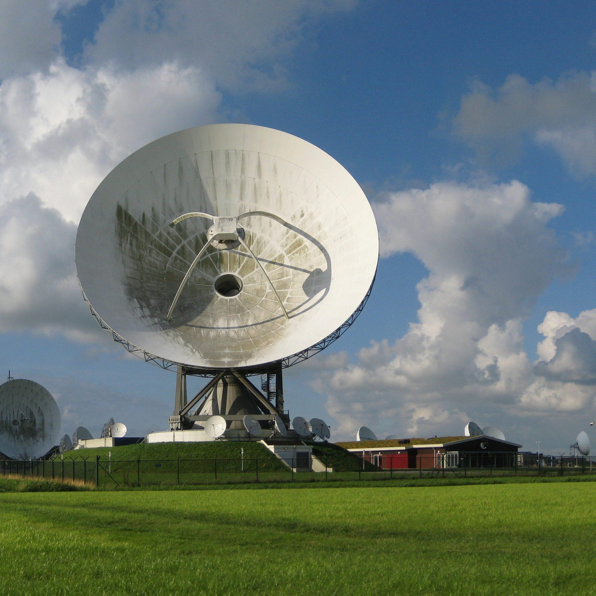 Het grondstation van Inmarsat in Burum (Foto Wikipedia)