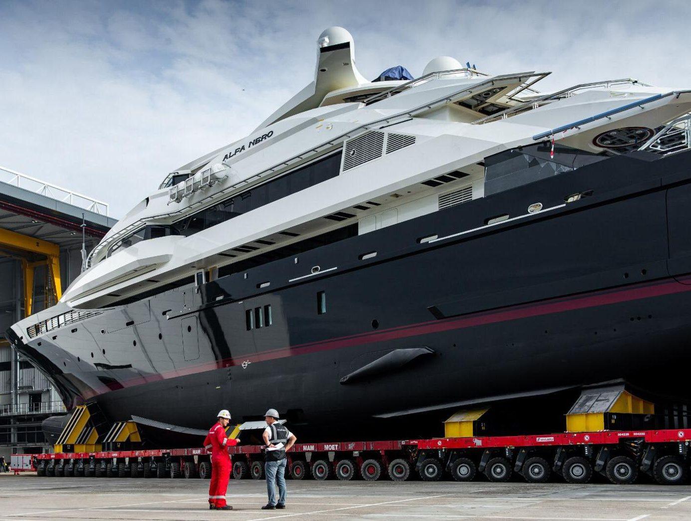 De Alfa Nero is 82 meter lang en werd gebouwd in 2007. (Foto Oceanco)