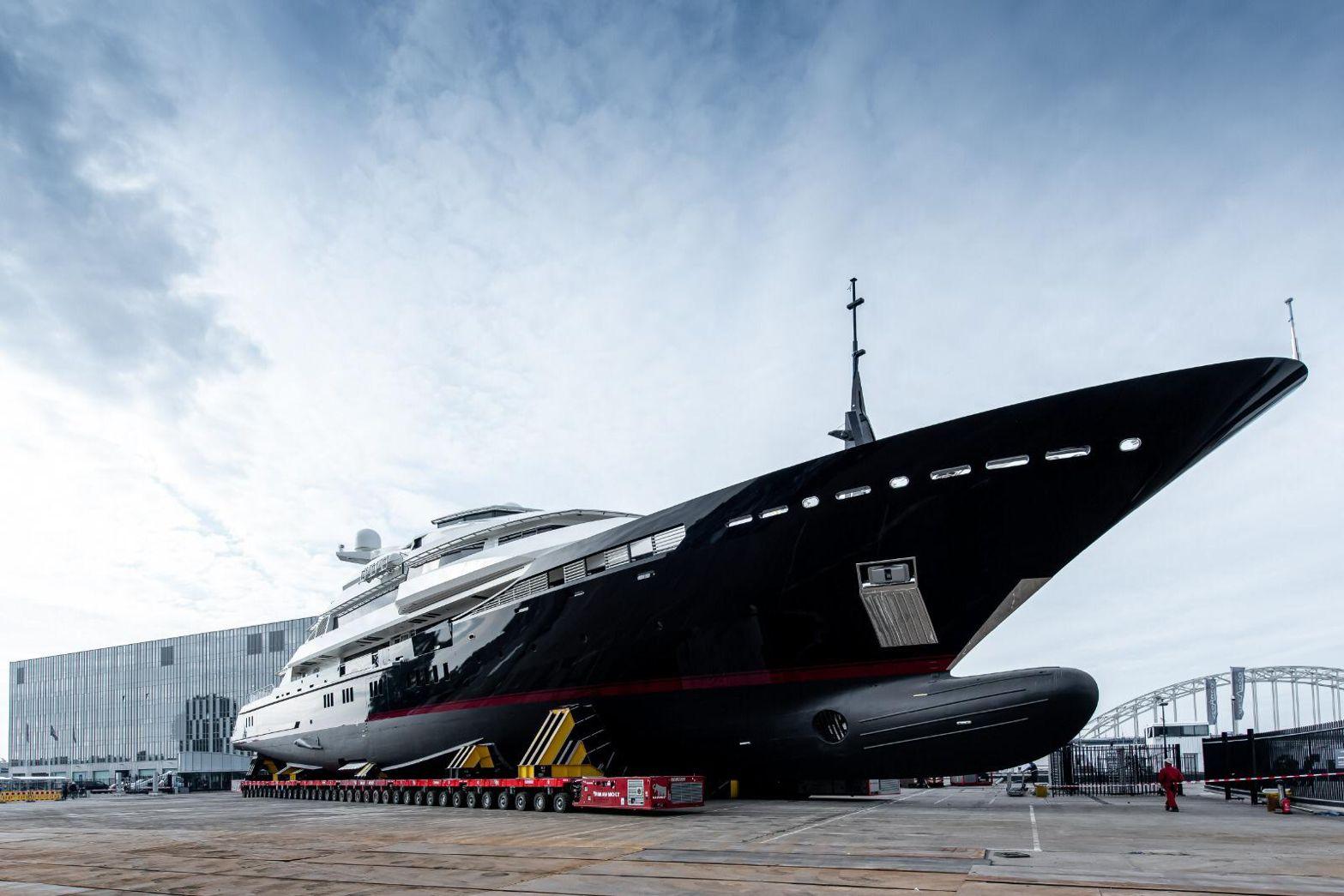 De Alfa Nero keerde terug naar Alblasserdam voor een refit. (Foto Oceanco)