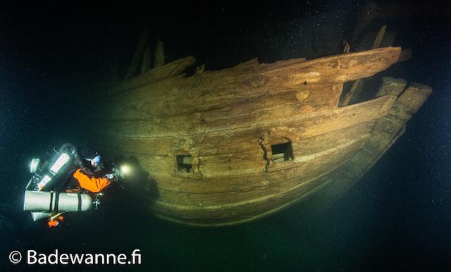 Het 17e eeuwse fluitschip is na bijna 400 jaar nog vrijwel intact. (Foto Badewanne)