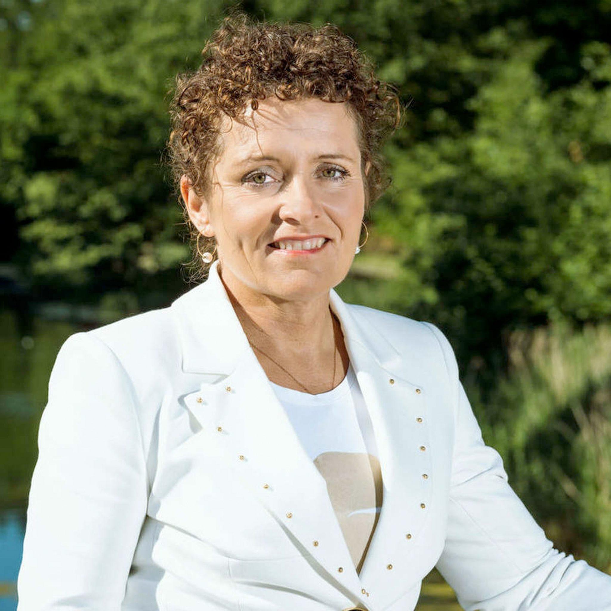 De Vlaamse minister van Mobiliteit en Openbare Werken Lydia Peeters spreekt van een 'historische achterstand' in onderhoud van de Vlaamse kunstwerken. (Foto Lydia Peeters)
