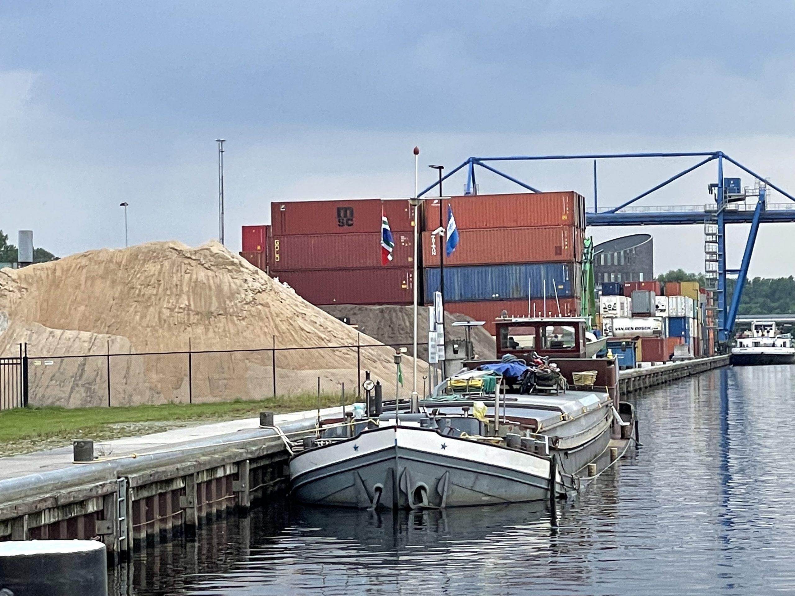 De Semper Spera ligt momenteel nog steeds op de Zuid-Willemsvaart. (Foto AS Media)