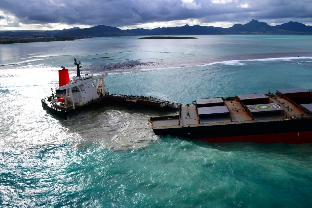 In juli 2020 strandde het bulkschip Wakashio voor de kust van Mauritius. (Foto IMO)