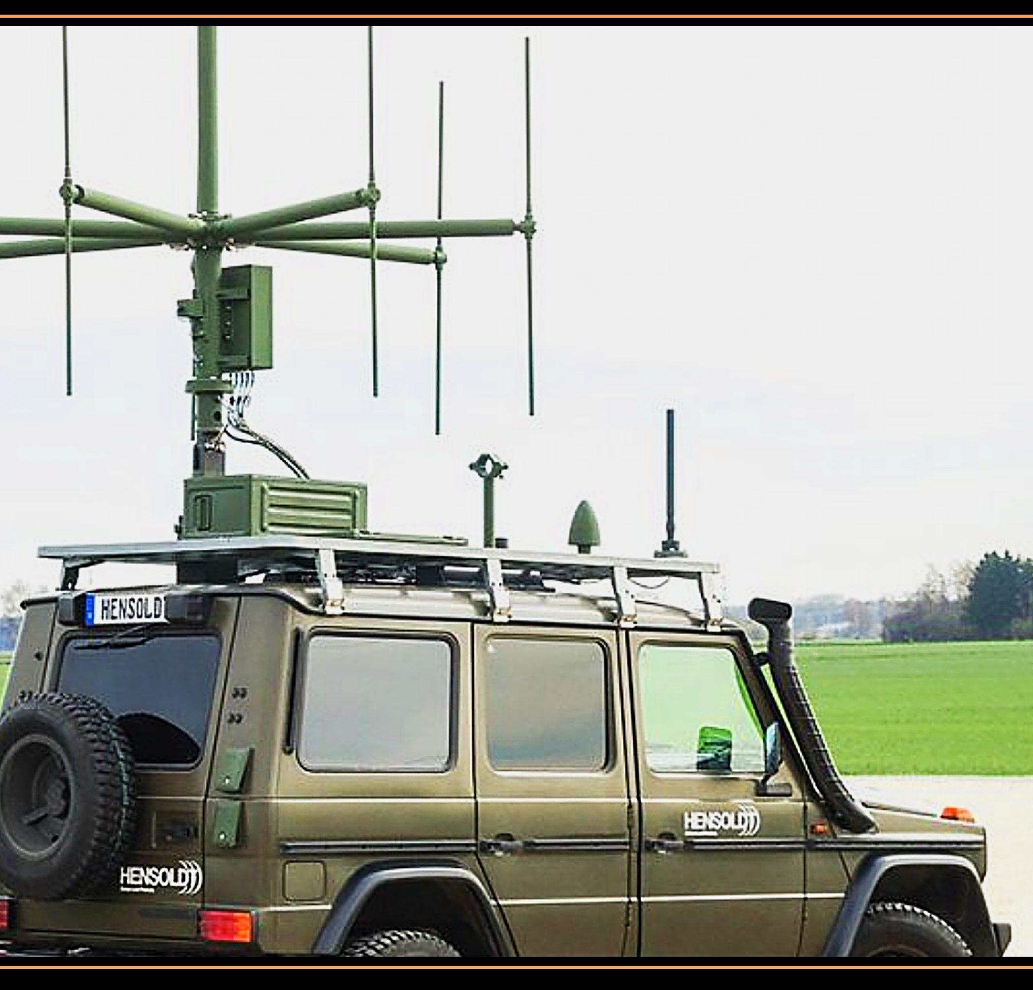 Dit was de auto met uitschuifbare ontvangstantenne waarmee de Duitse radarfabrikant Hensoldt de 'onzichtbare' JSF toch op het radarscherm kon krijgen.