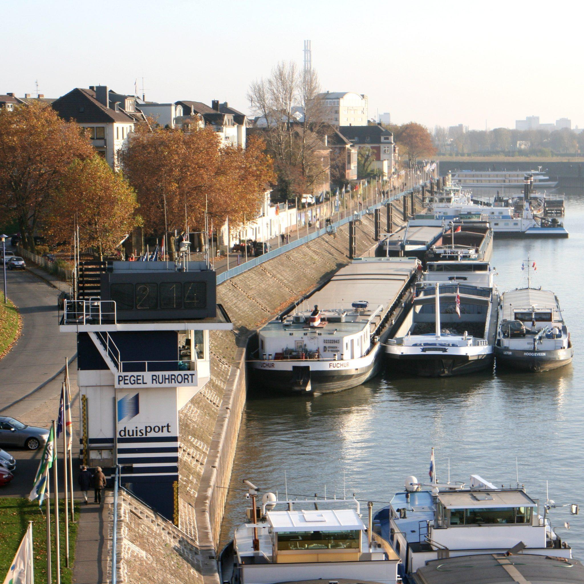 De waterstanden op de Rijn zijn weer bezig met een daling, na een periode hoogwater. (Foto Frank Vincentz/Wikimedia)