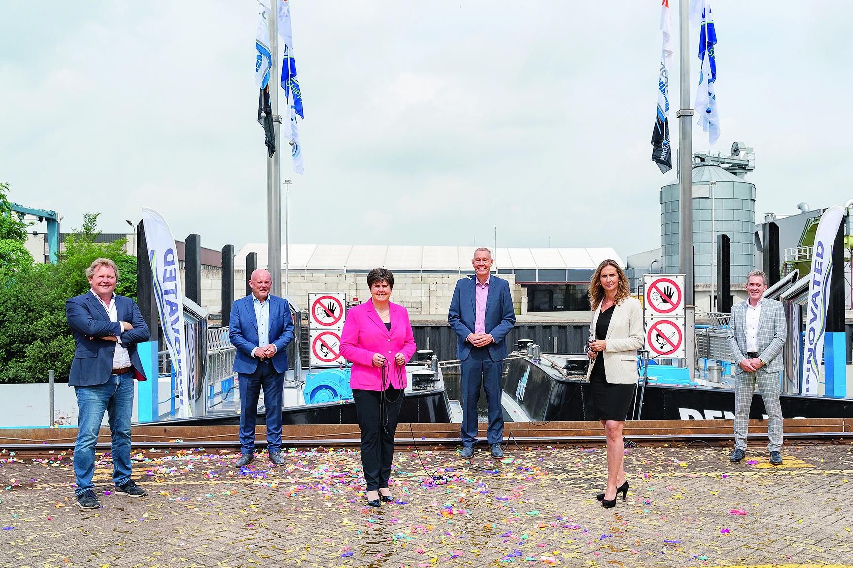 Diederik Antvelink (NedCargo), Joop Mijland (BCTN), Ina Adema (Provincie Brabant), Willem Dedden (ZES), mevrouw Verduijn (Heineken), Chris Kornet (Concordia Damen). Foto NedCargo
