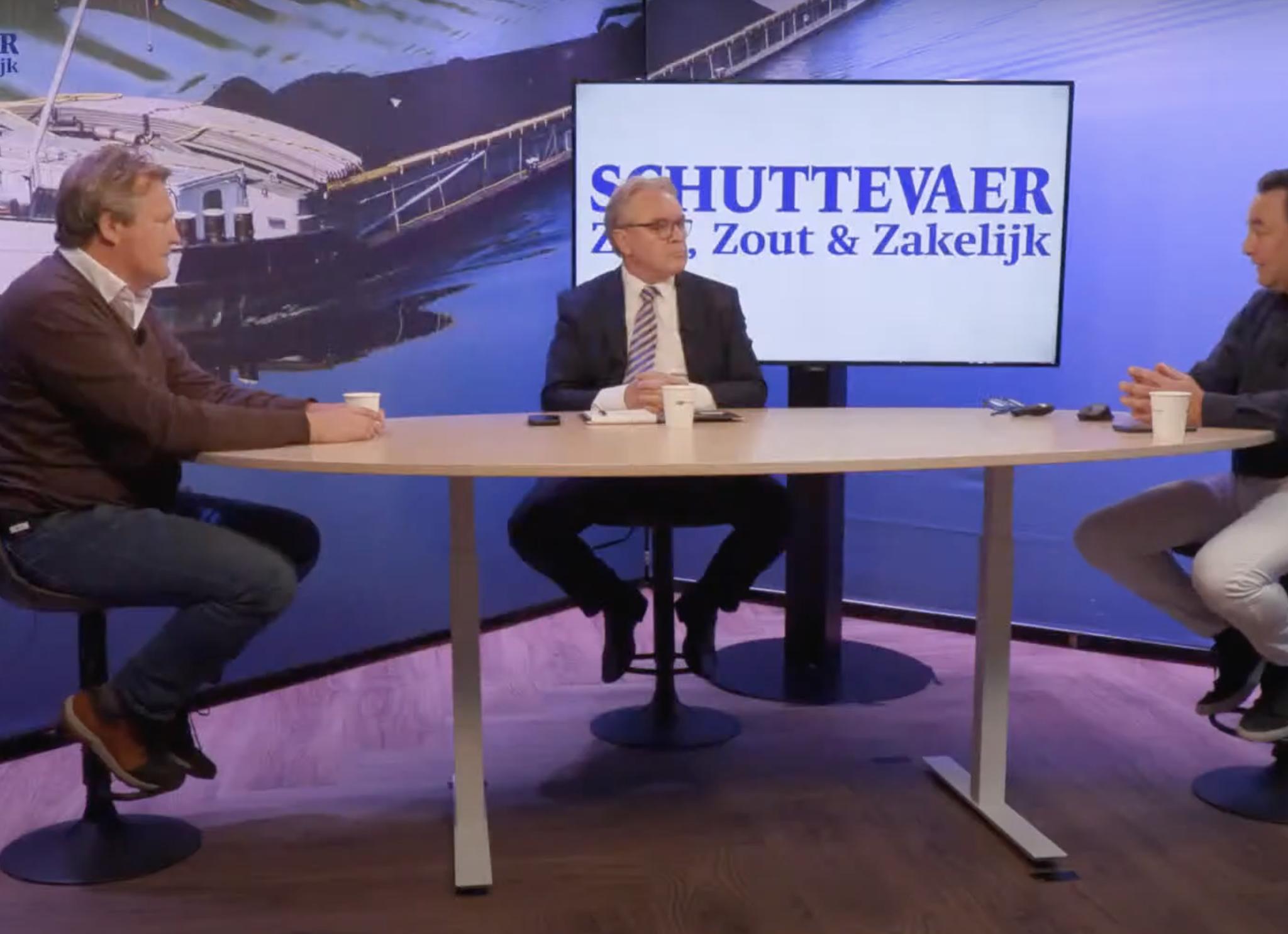 Diederik-Jan Antvelink, Kees de Vries en René Quist aan tafel in gesprek over de verduurzamingstrend. (Beeld uit video)