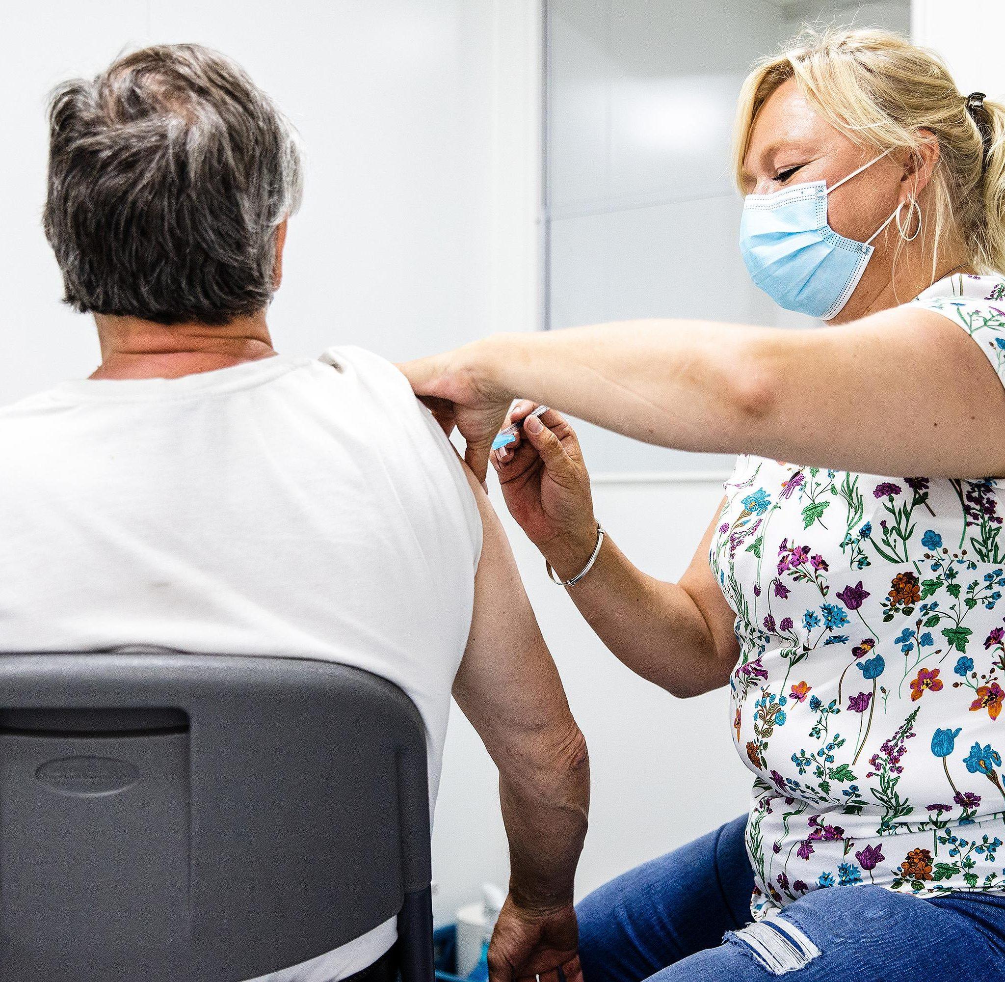 In de Maassilo wordt er nog een aantal dagen gevaccineerd door GGD Rotterdam-Rijnmond. (Foto GGD Rotterdam-Rijnmond)