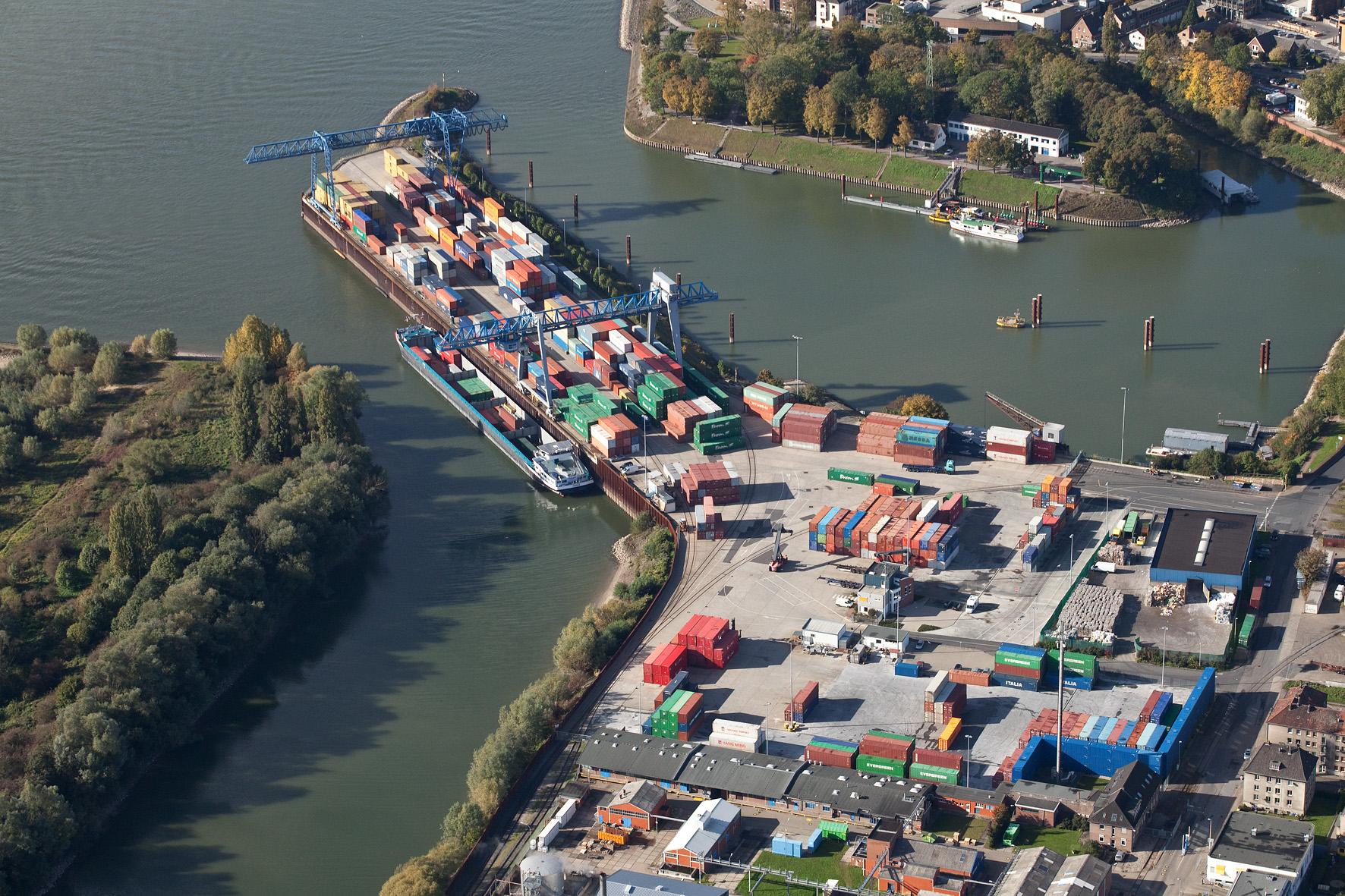Containerterminal DeltaPort Niederrhein in Emmerich. (Foto Contargo)