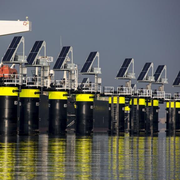 Het Havenbedrijf heeft onder meer zonnepanelen in de haven geplaatst om zo te verduurzamen. (Foto Port of Rotterdam)