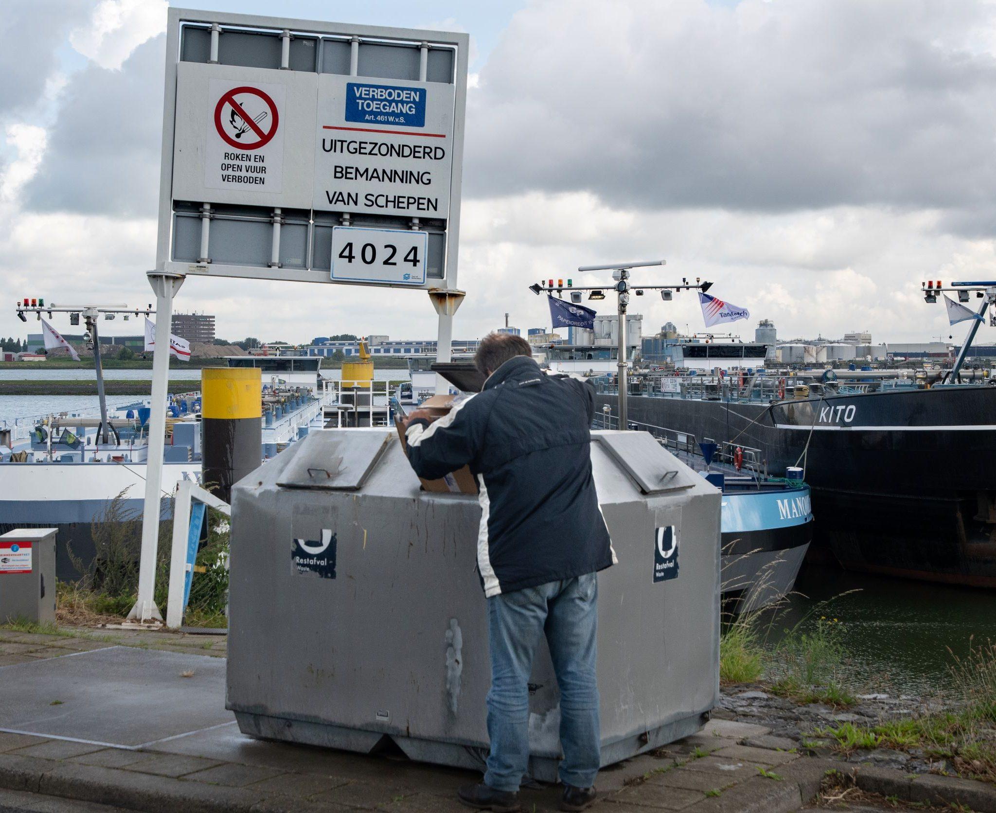 92 nieuwe afvalcontainers wil het Havenbedrijf. (Foto Ries van Wendel-de Joode)