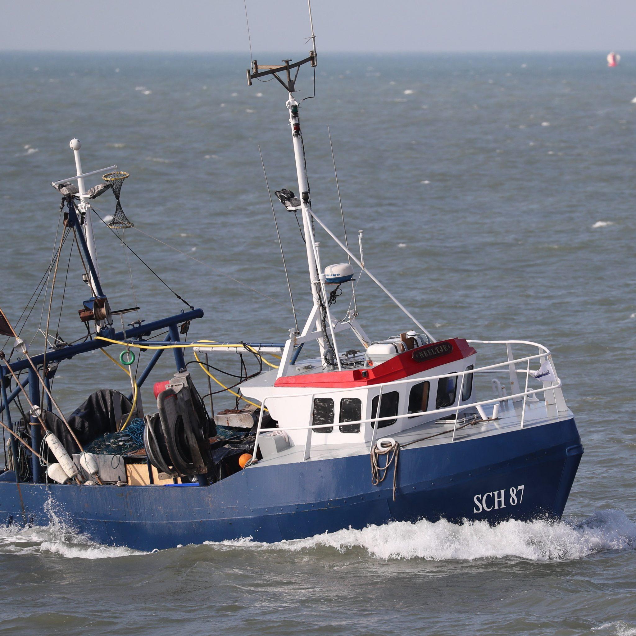 De SCH-87 in haar element voor de kust van Scheveningen. (Foto Bram Pronk)
