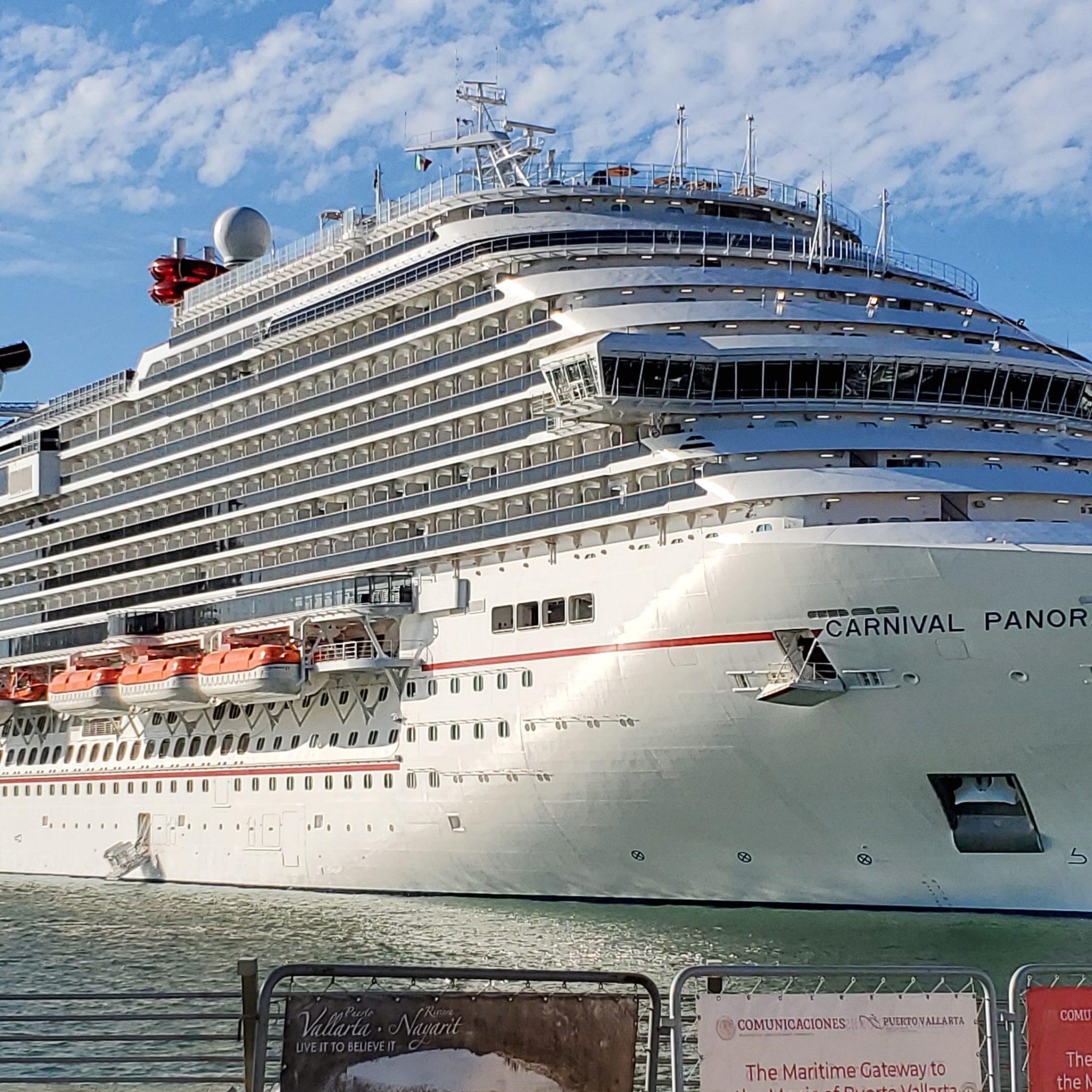 De Carnival Panorama is het vlaggenschip voor de Vista-klasse van Carnival Cruises. (Foto Wikipedia)