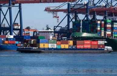 Het containervervoer per binnenvaartschip is bezig met een groei. (Foto Port of Amsterdam)