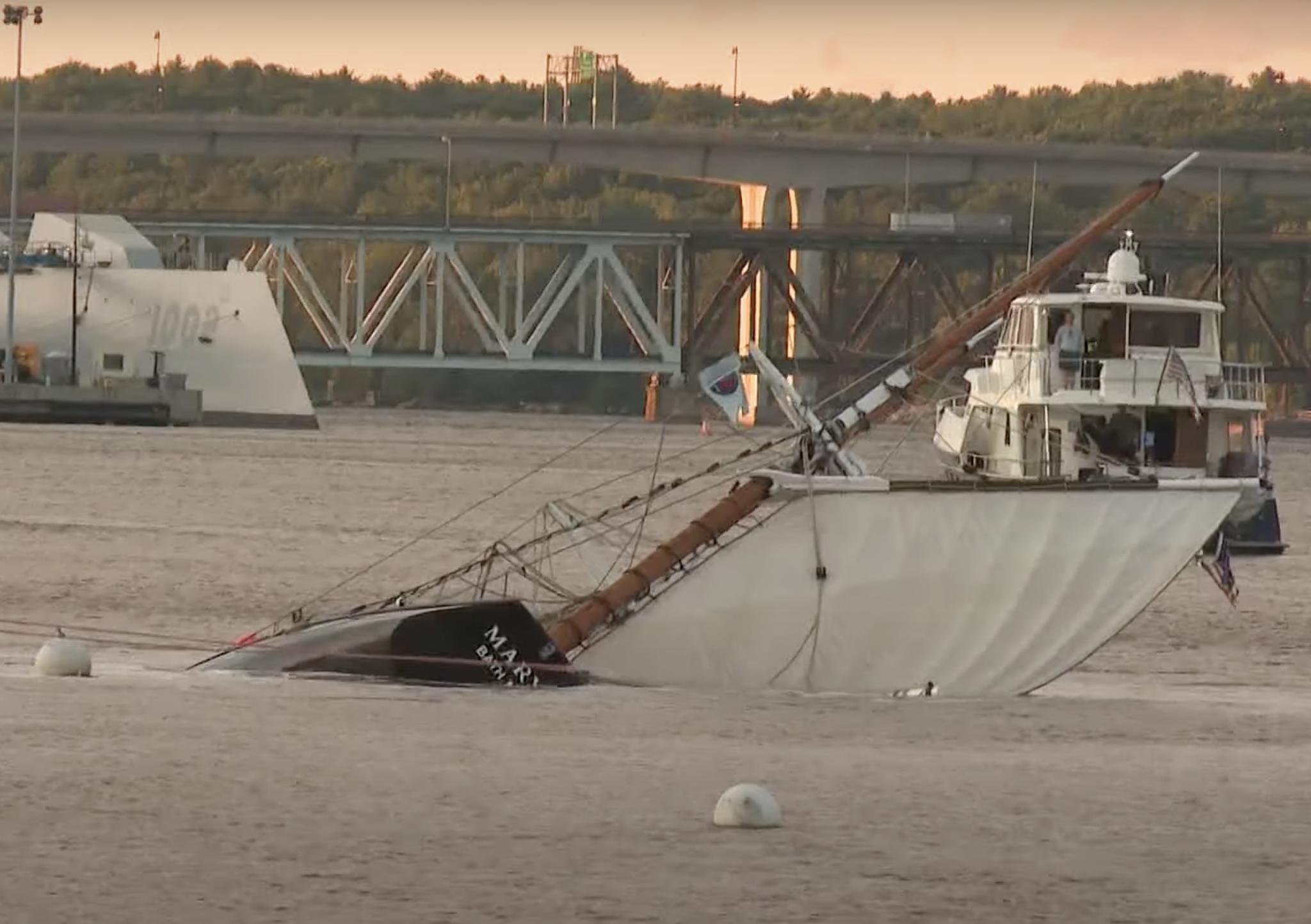 De Mary E kapseisde in de rivier bij het plaatsje Doubling Point. (Beeld uit video)