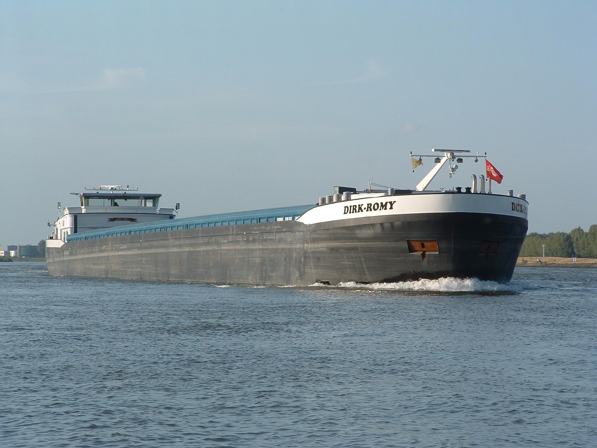 De Dirk Romy kwam de binnenvaartvloot van Roermond versterken. (Foto D. Henken)
