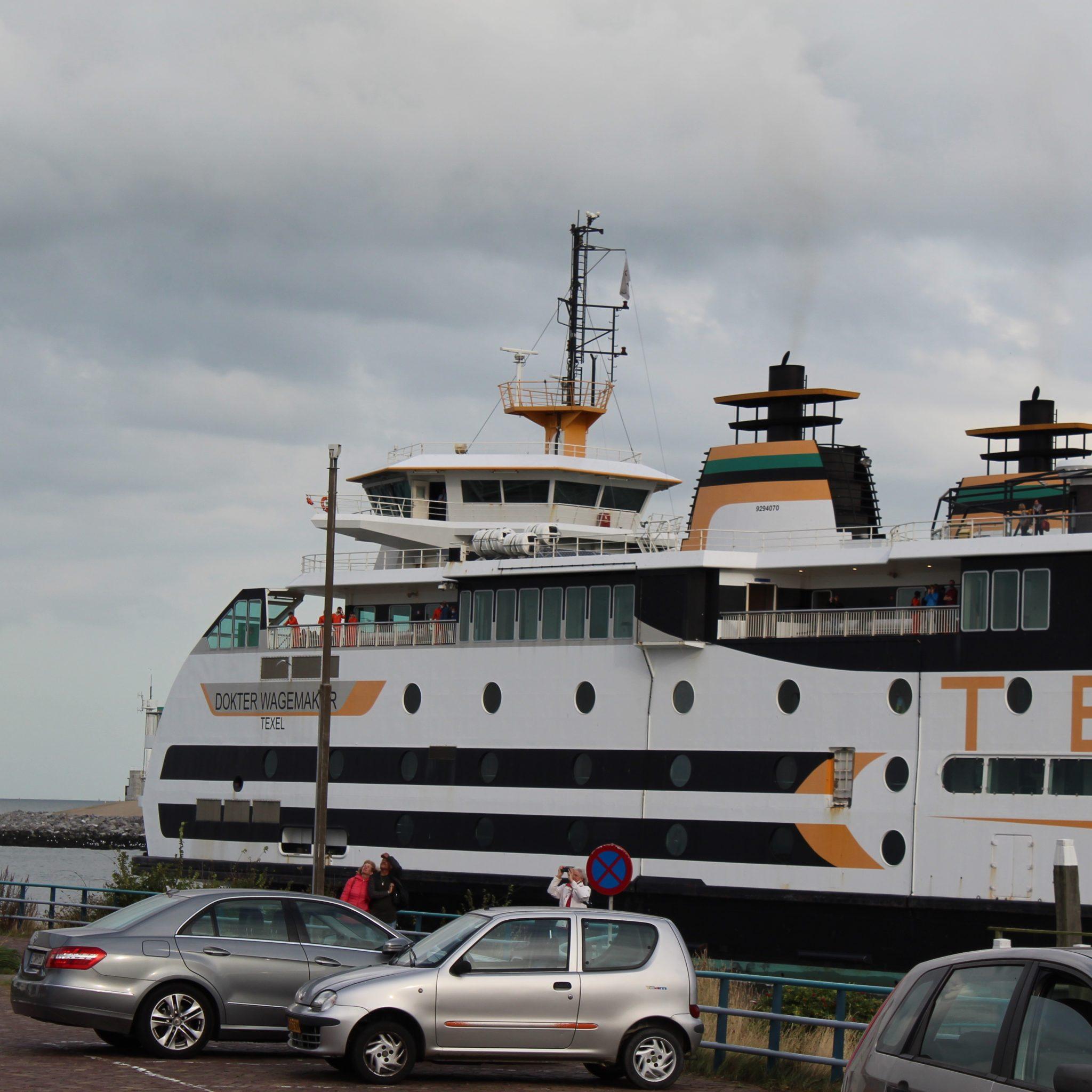 De veerboot Wage van Teso. Foto's As Media
