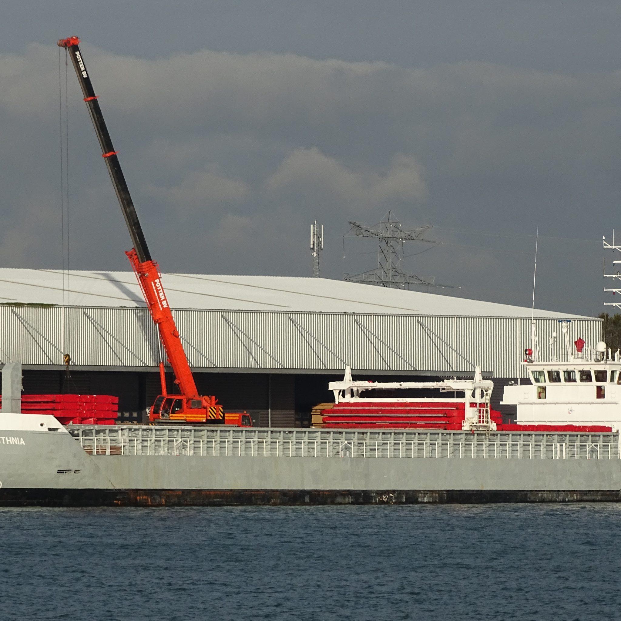 De Botnia, afgemeerd in de haven van Vlissingen. (FotoLucien van der Horn)