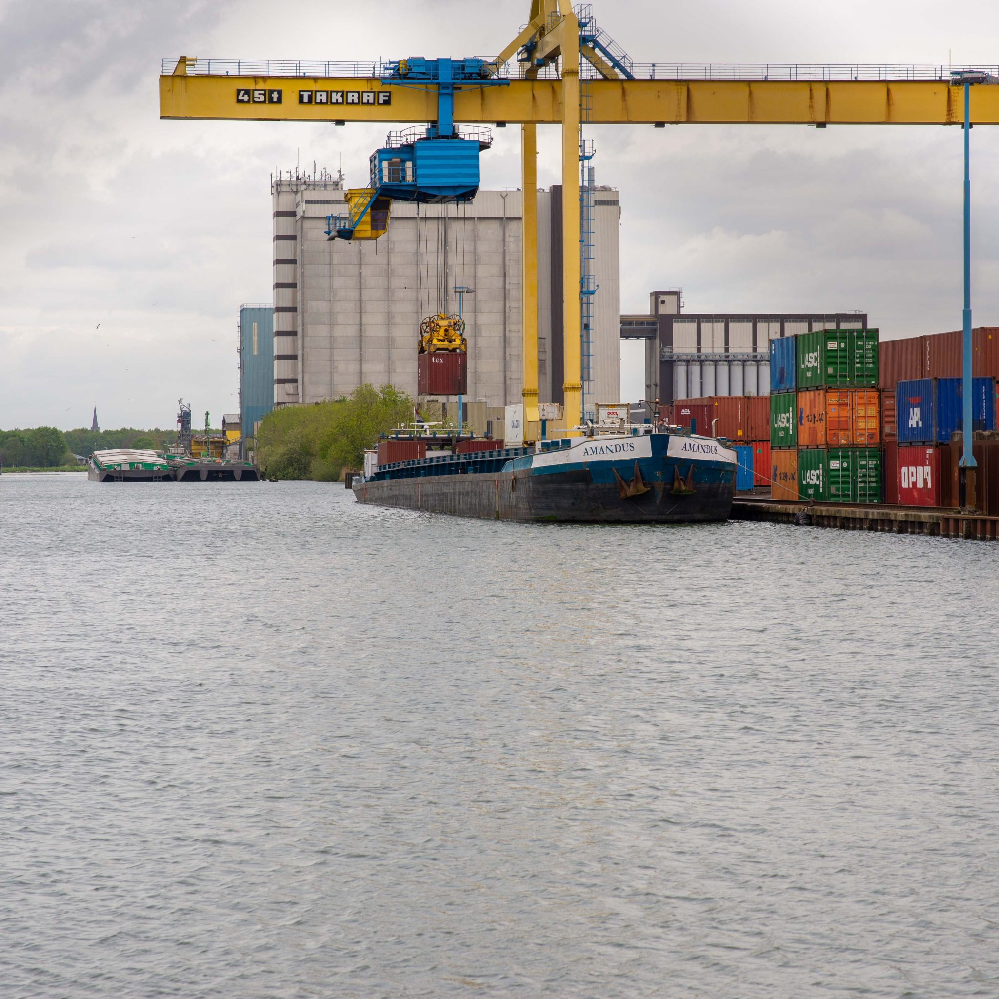 De gemeentelijk haven van Oss. (Foto Bart Oosterveld)