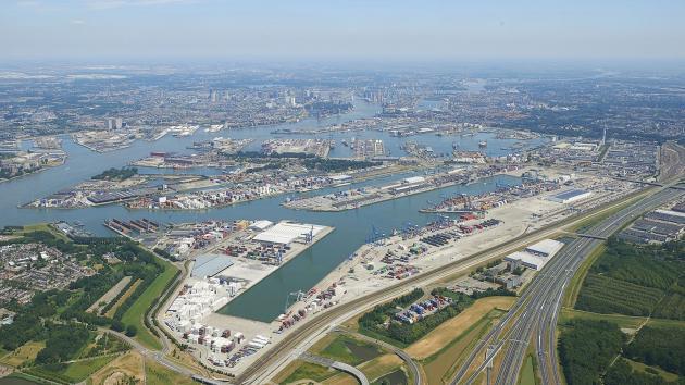 De fraude vond plaats in de Eemhaven. (Foto Port of Rotterdam)