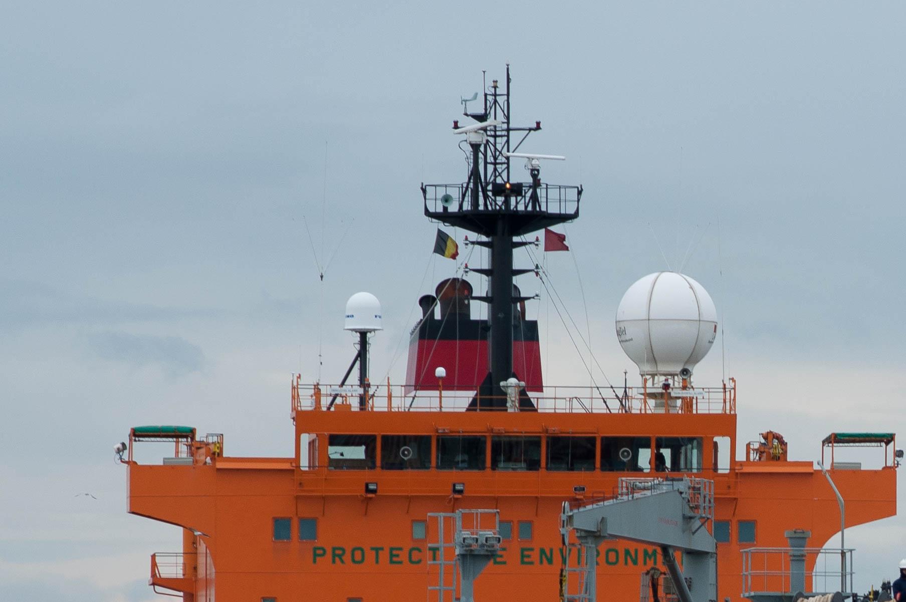 Het schavotje is het dek bovenop de stuurhut, hier op een andere tanker. (Foto Bart Oosterveld)