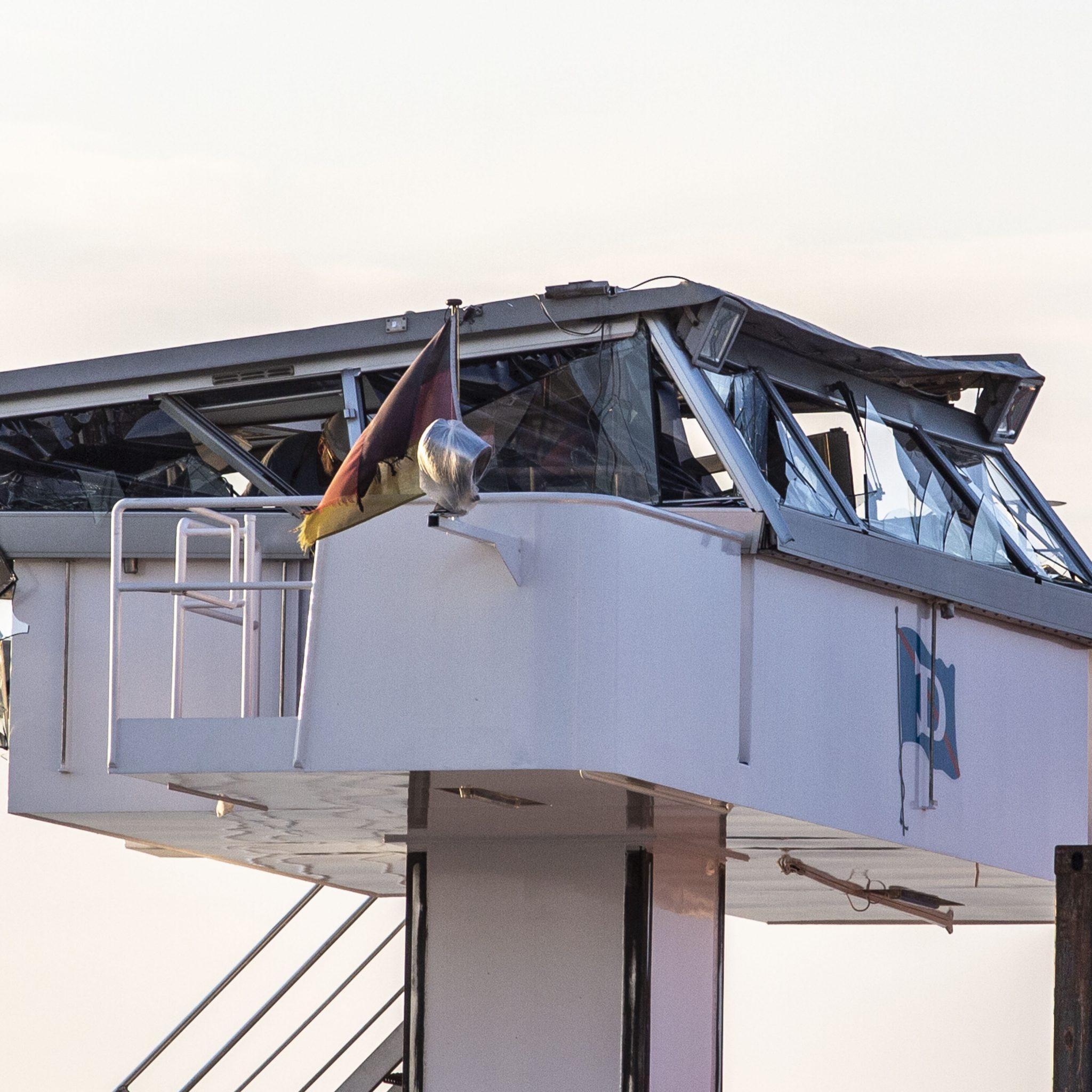 De brug was duidelijk een stuk sterker dan de stuurhut. (Foto EB/ETIENNE BUSINK)