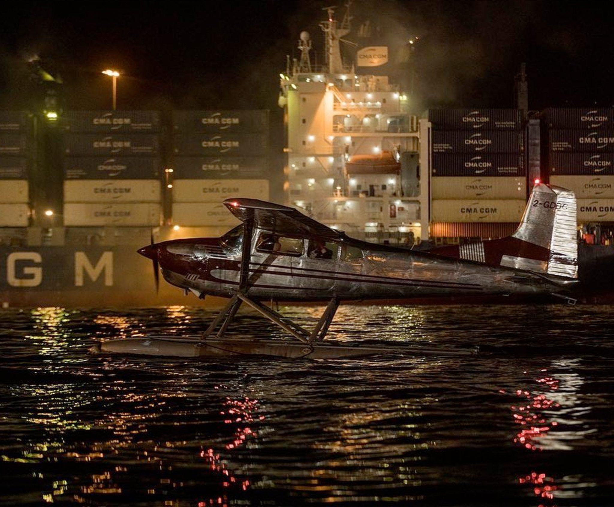 Spectaculaire beelden vanaf het water. (Foto Danjaq, LLC and Metro-GoldwynMayer Studios Inc.)