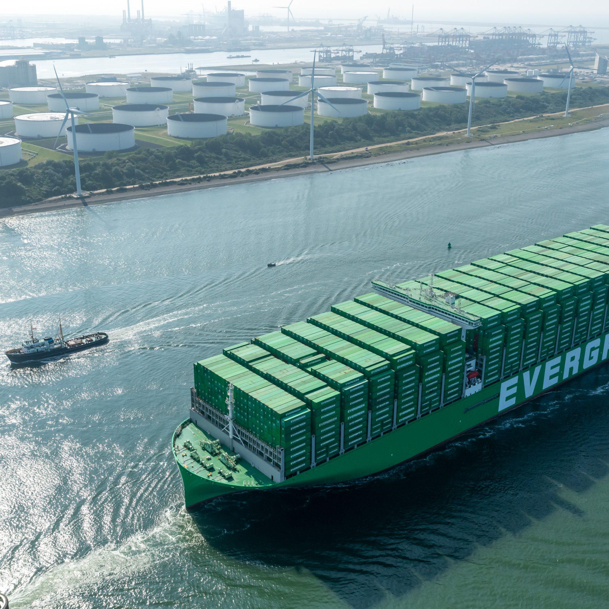 Aankomst Ever Ace in Rotterdam. Foto Paul Martens/Havenbedrijf Rotterdam