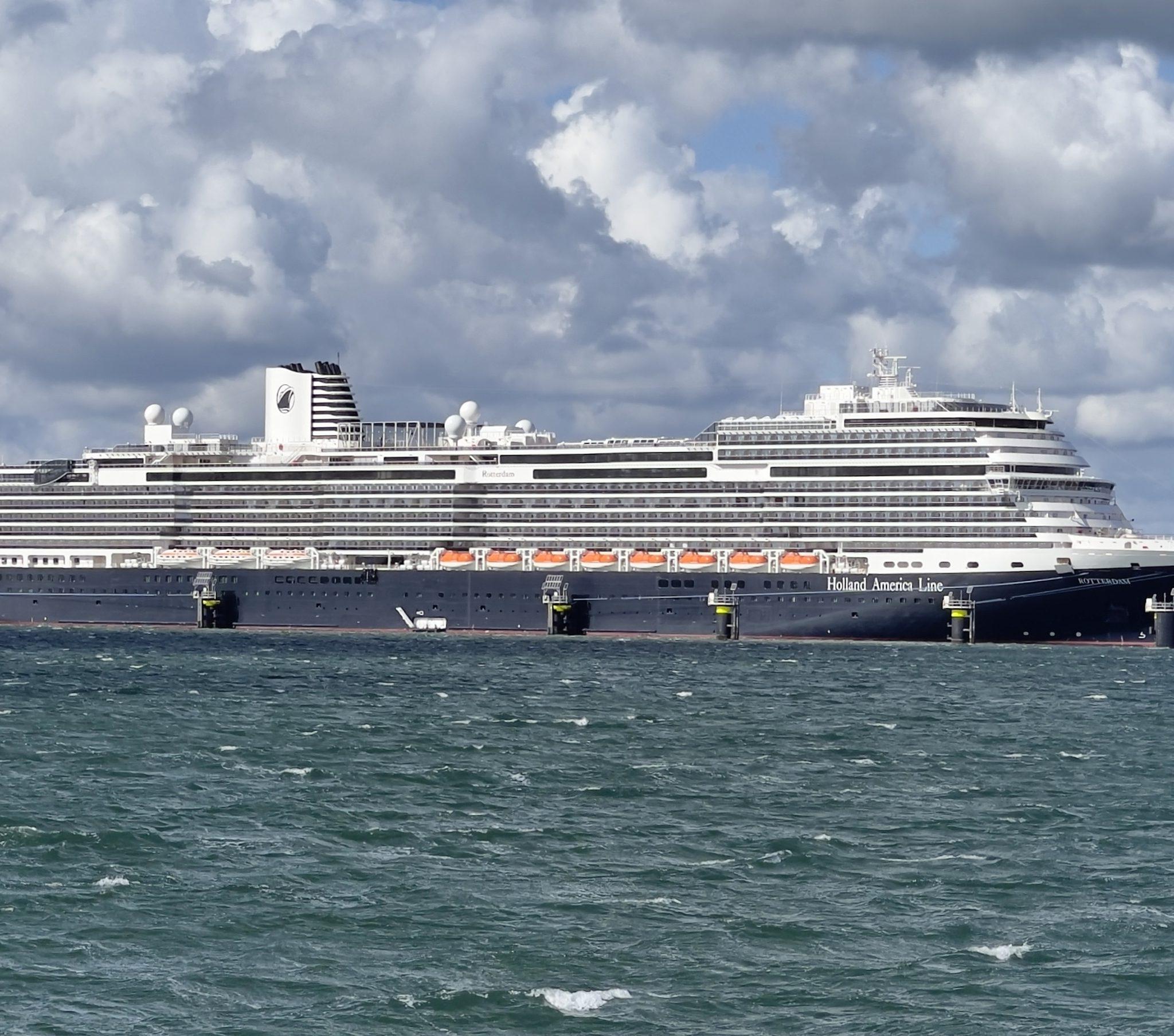 Cruiseschip Rotterdam van Holland America Line. Albert Kropff, World Ship Society