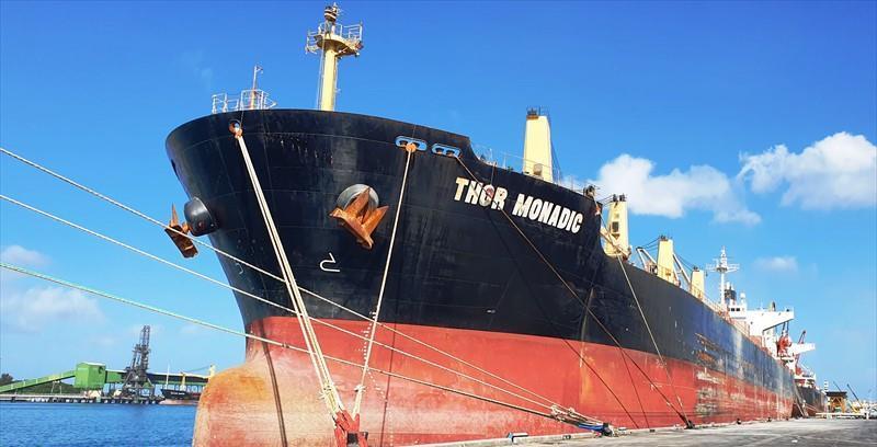 De kapitein van de bulkcarrier Thor Monadic is gearresteerd. (Foto Baltic Shipping)