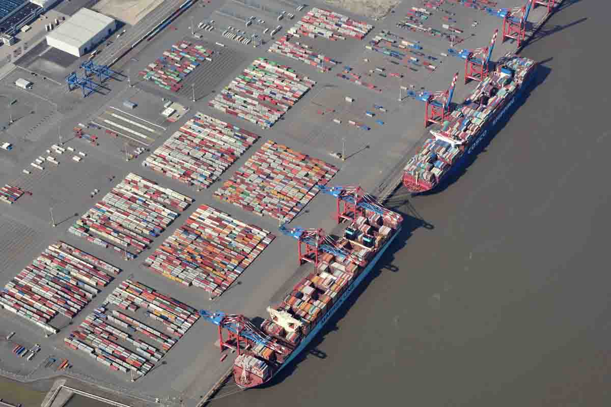 WDN2140 Hapag Lloyd stapt fors in