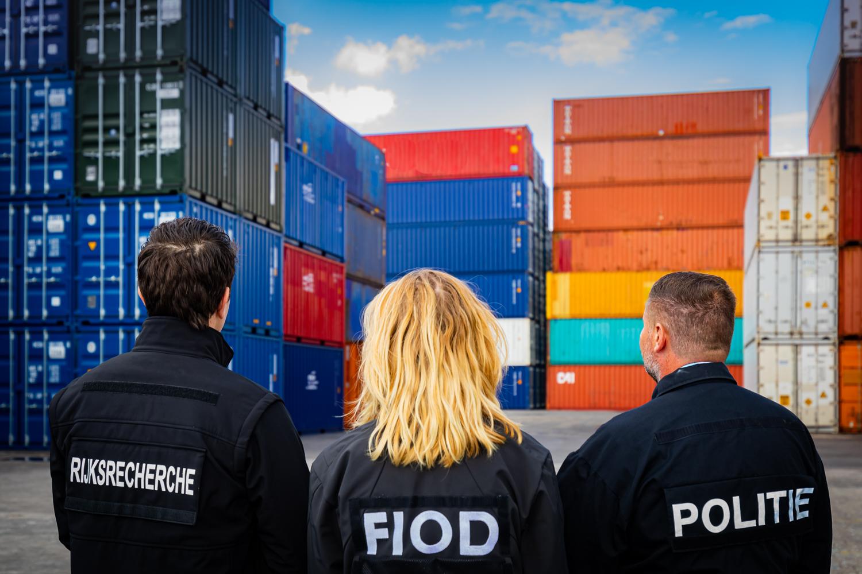 Het Combiteam Havens is een permanent samenwerkingsverband tussen de FIOD, politie, Rijksrecherche en Openbaar Ministerie. (Foto Twitter / FIOD)