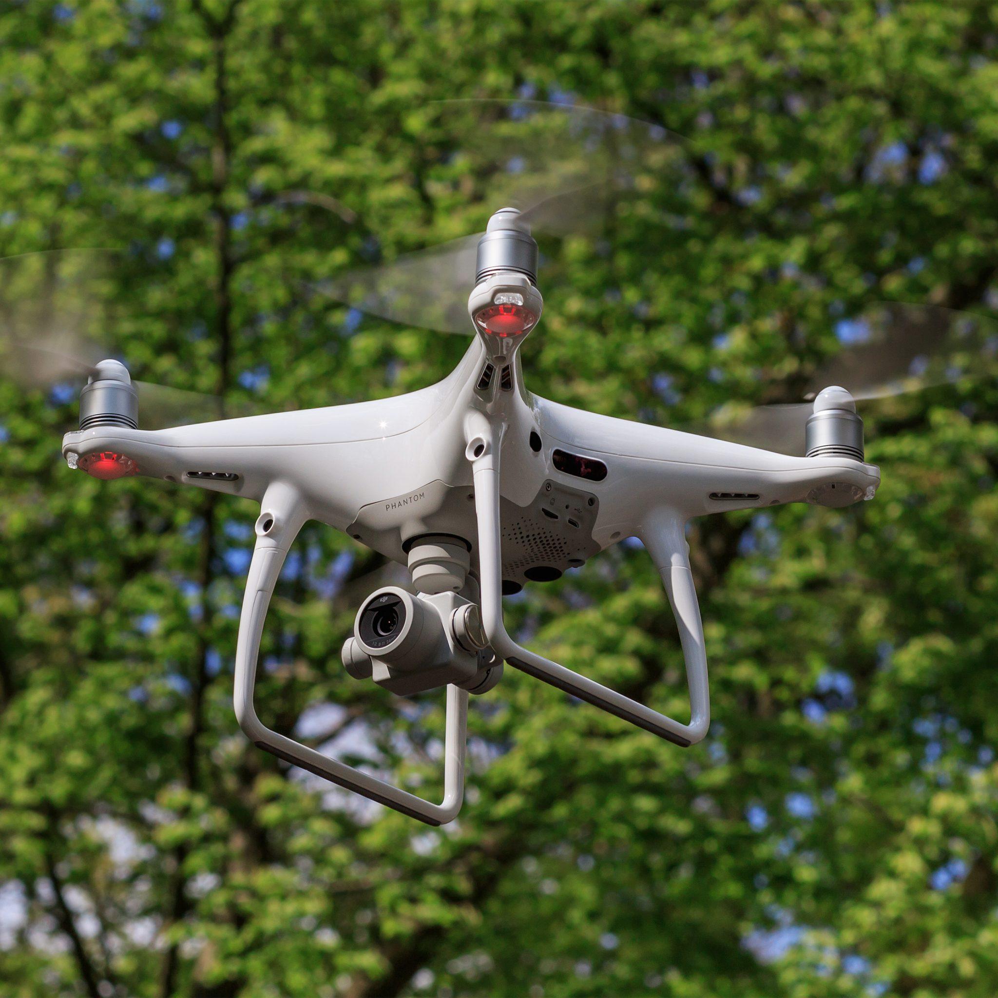 Rijkswaterstaat filmt met drones de deltawerken. (Foto Wikipedia)